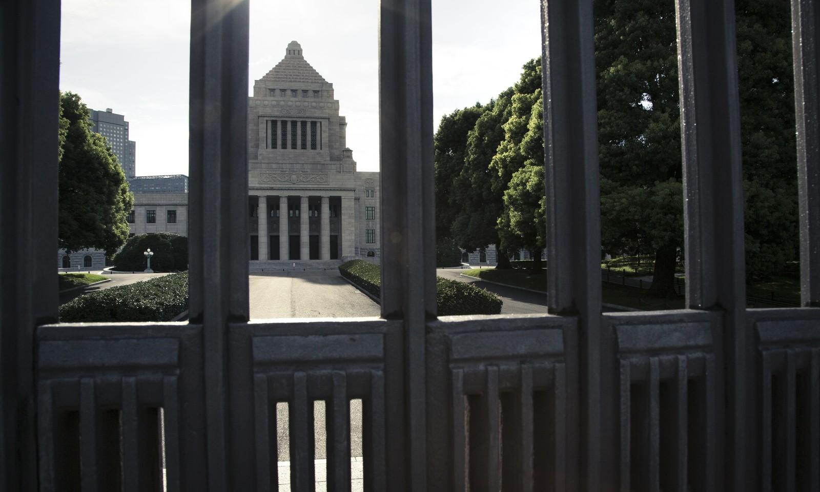 安倍政権が今年も国家公務員給与引き上げの可能性!なんで借金だらけの日本で公務員の給料が上げられるの!?