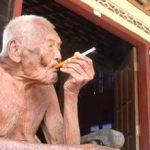 【マジで!?】145歳のおじいさんがインドネシアで発見される!イギリス各誌が報道!