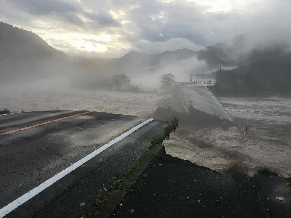 台風10号の被害まとめ!小本川の氾濫で岩手県の久慈市や岩泉町が水没し、11人が死亡!北海道でも日勝峠などで橋が流出!
