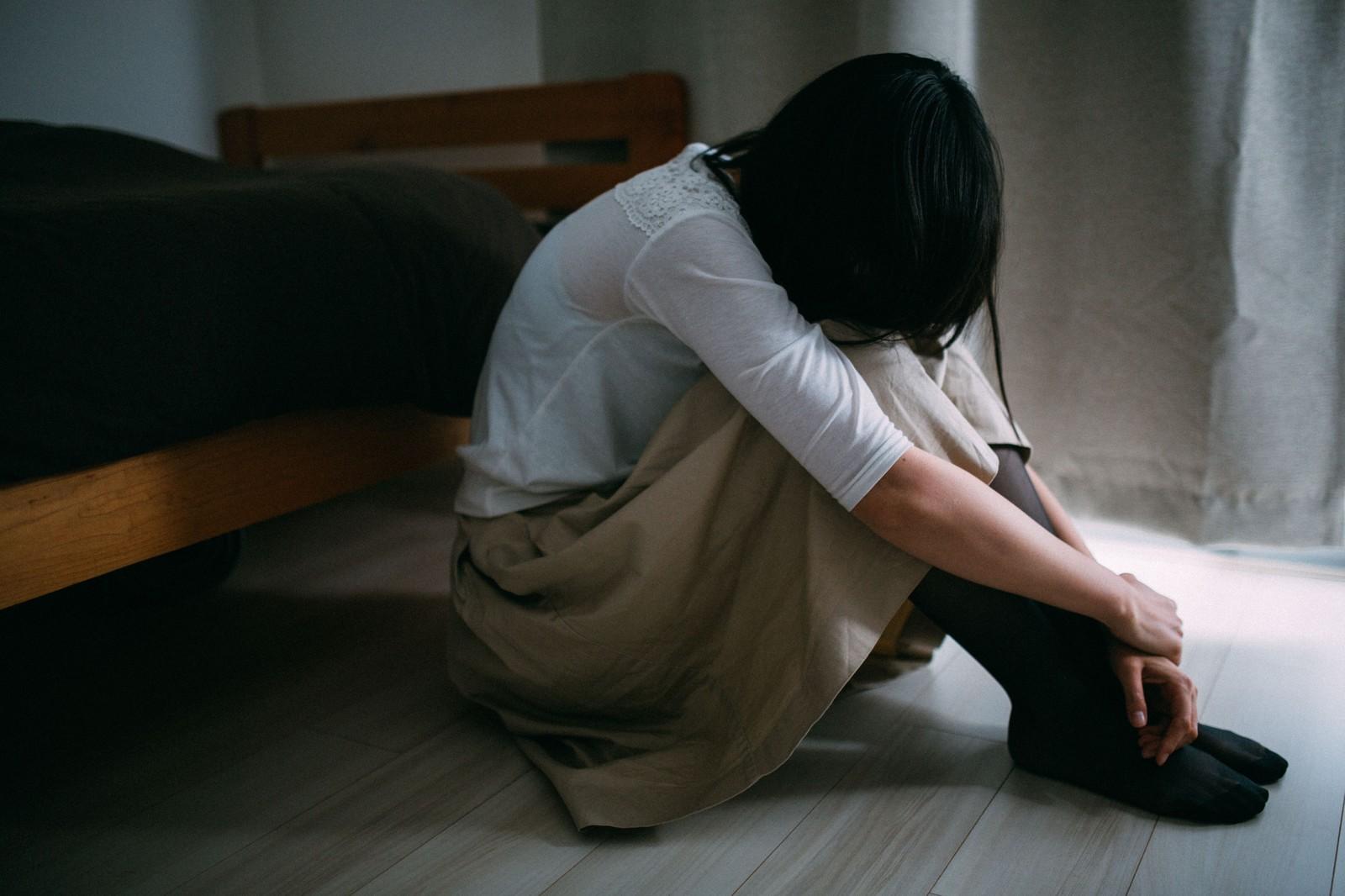 【衝撃】20歳以上の4人に1人が「自殺を考えたことがある」との調査結果!20~30代は驚きの30%超え!