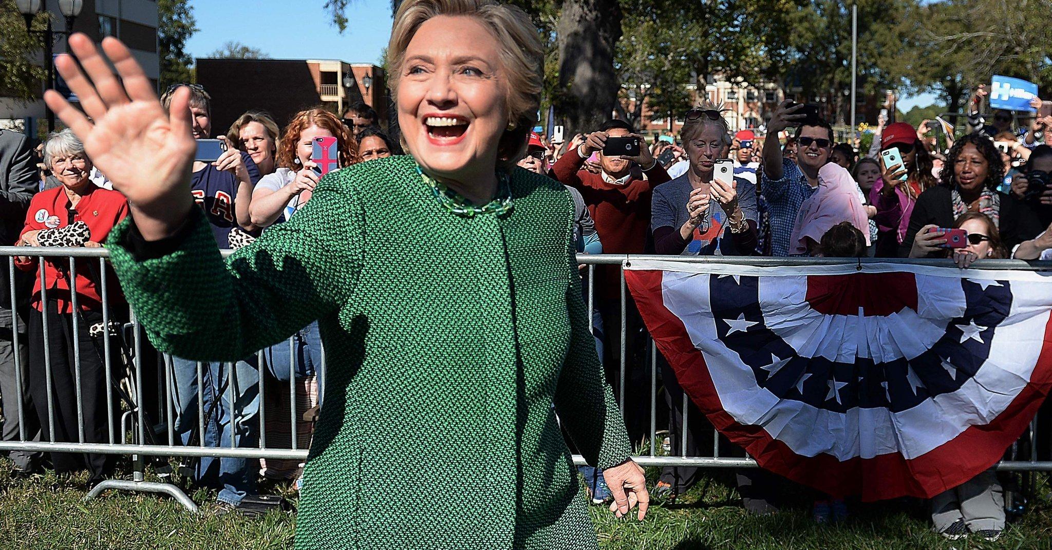 【賄賂か】ヒラリー・クリントン候補の関連団体が、ヒラリー氏の私用メール問題担当のFBI幹部の妻に5200万円の献金!