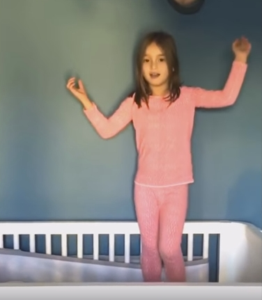 【かわいい】トランプ氏の孫娘のアラベラ・ローズちゃん、ピコ太郎のPPAPを熱唱!世界中で46万回以上動画再生される!