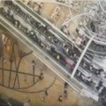 【怖すぎ】香港のショッピングモールで突然エスカレーターが猛スピードで逆走!利用客はパニック!18人が怪我をし1人が重傷!