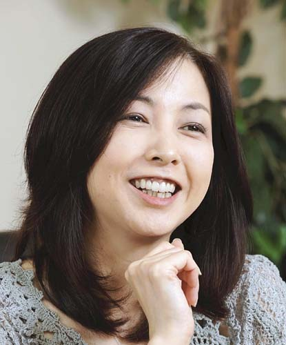 タレントの麻木久仁子さんが、衆院選での安倍政権の勝利と民主主義の終焉に強い危機感か!?「いつまでも、あると思うな、普通選挙。」