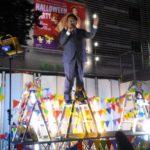 【スゴイ】立憲民主・枝野氏の新宿アルタ前での演説が大盛り上がり!「市民密着型」のスタイルが好感され、広場を埋め尽くす聴衆の数に!