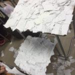 【酷すぎる】神戸の高2女子いじめ自殺未遂、被害生徒の机に切り刻まれた紙切れがびっしり!教師は「仲間同士のじゃれ合い」と判断!