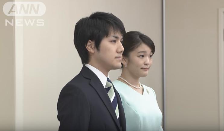 【不可解】眞子さまと小室圭さんとの結婚が2年後に延期!当初は安倍官邸による「フライング報道」の疑いも!眞子さま「予期せぬ時期に報道され戸惑いました」
